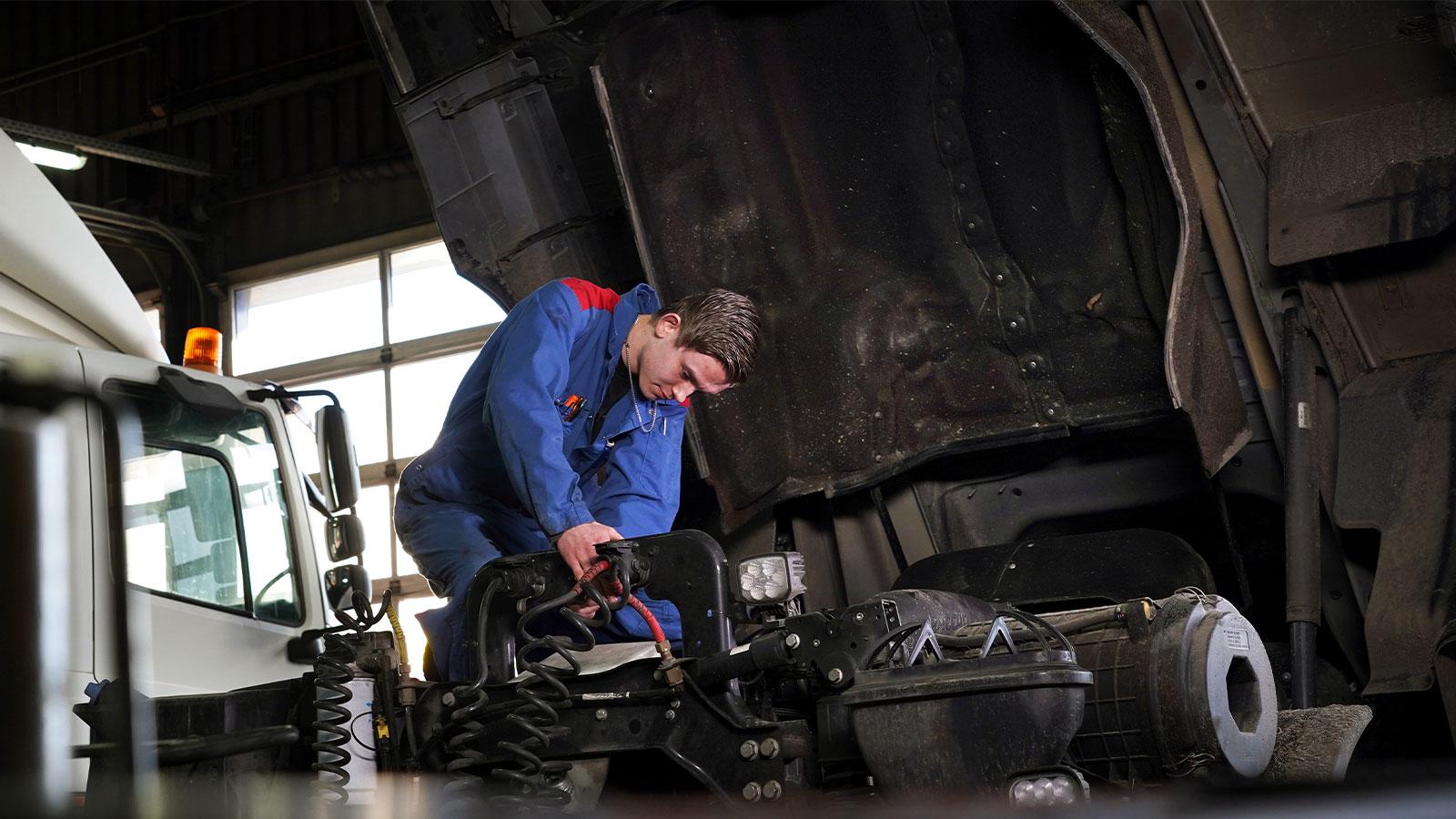 Bakker Bedrijfswagens - Reparatie & onderhoudscontract