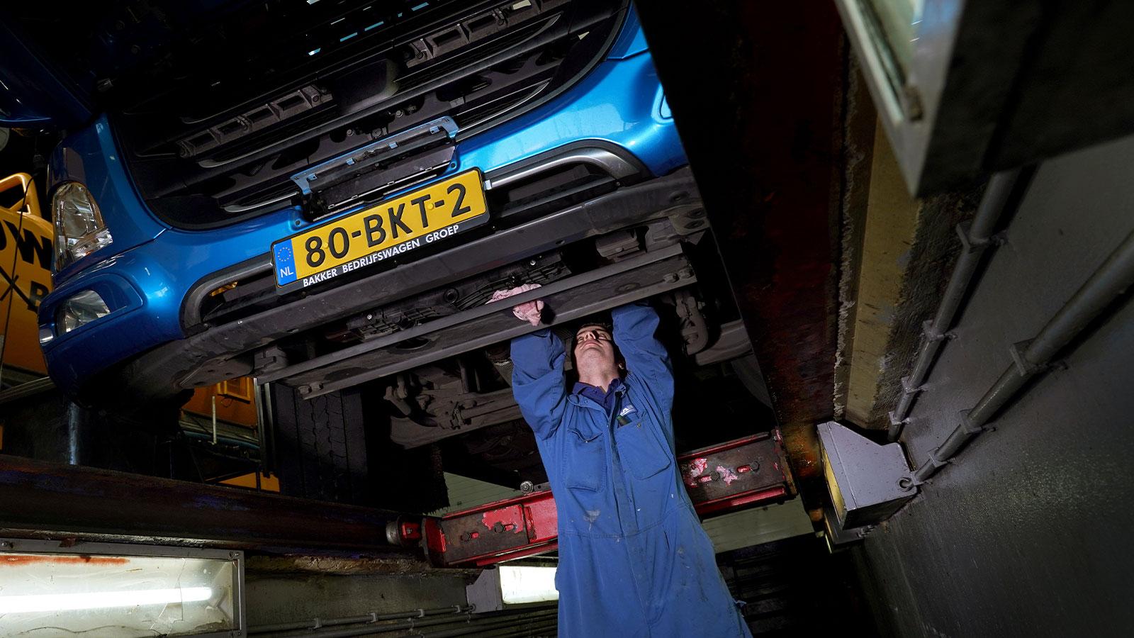 Bakker Bedrijfswagens - 24-uurs Service