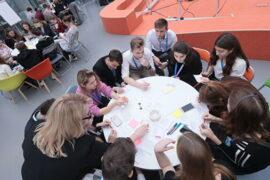 Школьники Москвы будут создавать стартапы при помощи Сбербанка