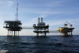 Цена нефти Brent впервые за последние 7 месяцев превысила $70 за баррель