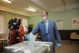 Михаил Романов принял участие в голосовании по поправкам в Конституцию РФ