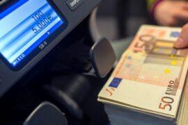 Крупнейшие банки РФ заявили о дальнейшем сокращении объемов валютных вкладов