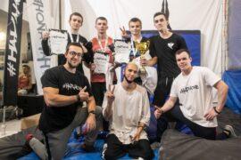 Участники воркаут-баттлов FreestyleBar 1×1, организованных Лигой #НаРайоне, порадовали зрелищностью