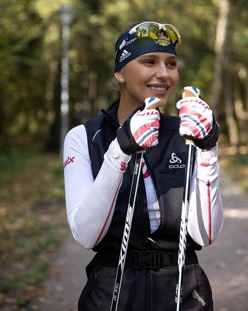 Открытую тренировку по лыжероллерному спорту провела Ана Герц