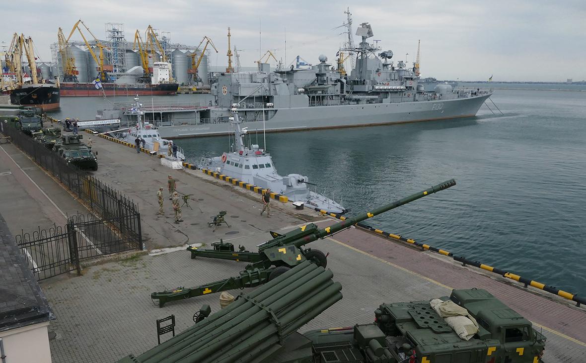 Украина начинает строить две государственные военно-морские базы