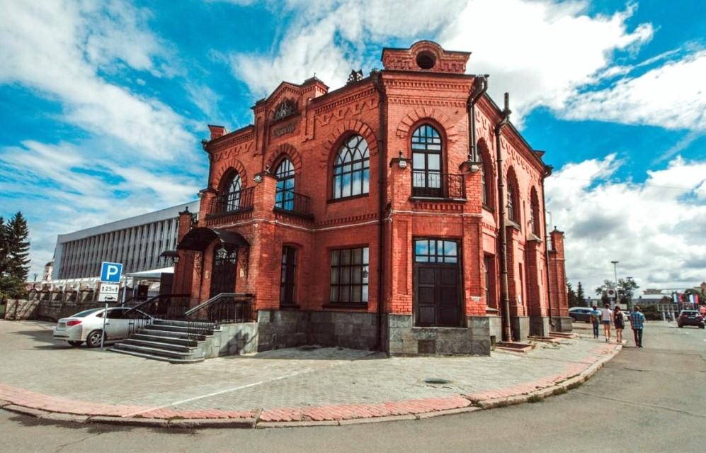 Законность изъятия отреставрированных особняков прокомментировали юристы