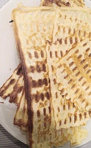 Мультипекарь Redmond RMB-618/3 - mitmekülgne abimees köögis! Grill, vahvlid ja сандвичи ühes korral...