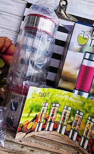 Leckere Cocktails und duftenden Smoothies - der beste Weg, um der Hitze zu entkommen und schlechte Laune! Umso mehr, was zu tun jetzt können Sie überall und unter allen Umständen!