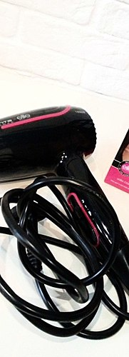 Great hair dryer from Rowenta, which is convenient to take with you. Develops literally