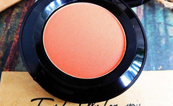Trend orange shade Nyx Hot Singles Eyeshadows 75 LOL