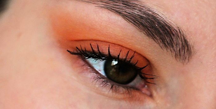 Trendu oranžový odstín Nyx Hot Singles Eyeshadows 75 LOL
