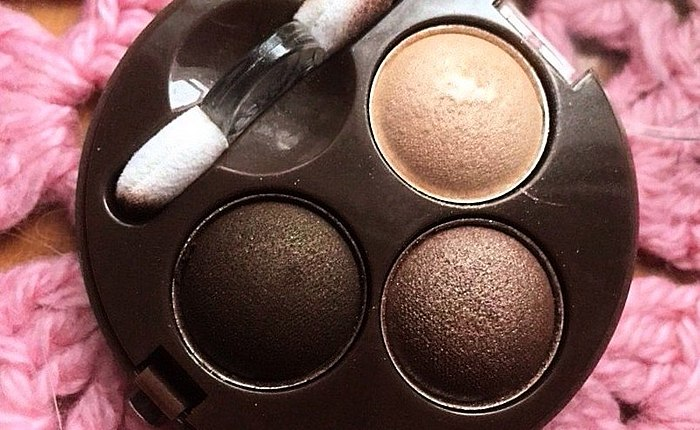 להדגיש את צבע העיניים! פוסט צעד אחר צעד, תמונות של איפור עיניים עם גוון 04 עירום ingenu.