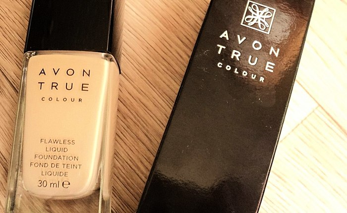Smart toner from Avon - my impressions of the shade Light Nude. The BEFORE and AFTER photos.