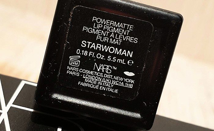 Powermatte NARS Lip Pigment, I pinned great hopes on you, and you... a Serious setup, which I did not expect and reason do not buy this lipstick in spite of 4*