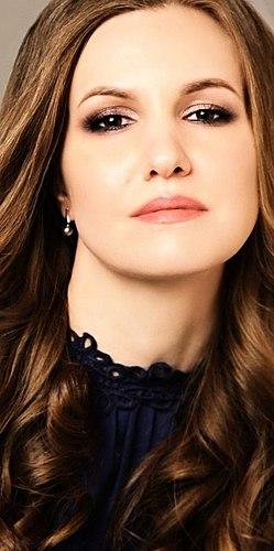 Lausunnon meikkitaiteilija. Ei ole rahaa Laura Mercier tai Bobbi Brown? Shadow lyijykynä luomiväri Ammatillinen Suudelma New York Luxury Eye Crayon täydellinen korvaa niitä. Sävyjä Vaaleanpunainen ja Hasselpähkinä. Koostumus.