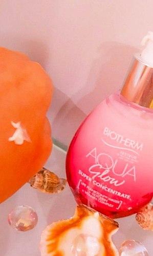 Sappige vocht met vitamine C van Biotherm Aqua Gloed! DIE gepatenteerde bedrijf en de waardevolle onderdeel. Het effect op de twee leeftijdsgroepen en de gevoelige huid!