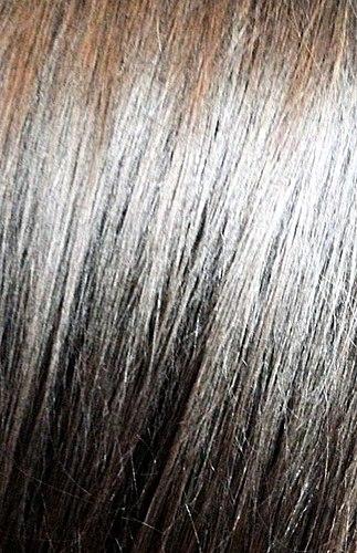 머리와 풍부한 산자나무. 한 샴푸에서 이 시리즈입니다. 좋은 촉촉하게,쉬운 빗,아름다운 빛납니다. 그러나 당신의 밤만큼 좋은?