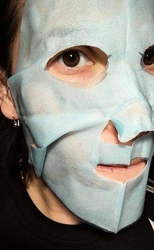 Super nawilżenie? Wydaje się, Garnier zbyt wiele na siebie bierze((( Maska nie pozbawiona efektu, ale pozbawiona potrzeby.