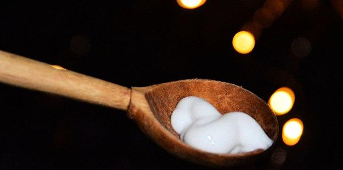 Neobișnuit de nucă de cocos masca Экстрапитание de Белиты cu prima cerere a cucerit parul meu. Îmblânzirea cu blană de păr și alimente excelente pentru deteriorate, dar, de asemenea, minunat parfum. Analiza compoziției se anexează