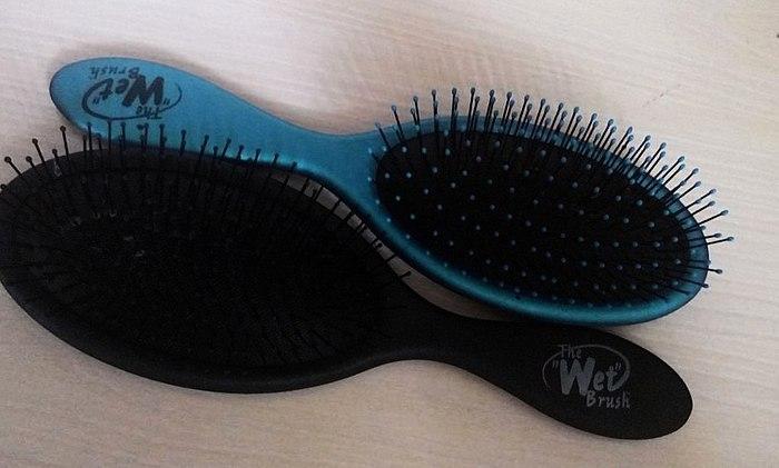 Fácil e indolor penteia e molhado e secar o cabelo
