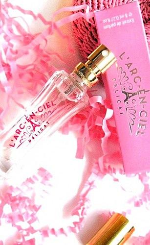 Një powdery me aromë vanilje tren! • Parfum përbërja, qëndrueshmëri, Shoqata! • Ku për të blerë 180 FSHIJ?