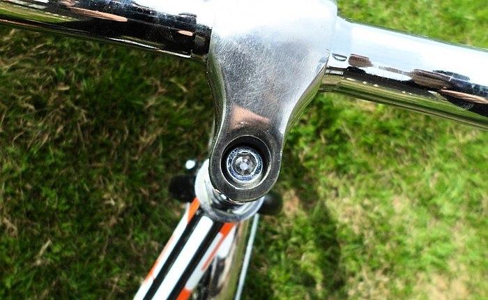 Adolescencija je bicikl STELS 310 PILOT. Jednostavno transportira! Prikladan za pohranu!
