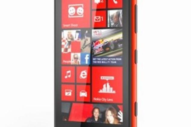 Nokia Lumia 820  חוות דעת