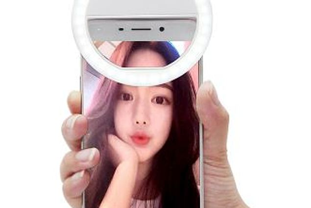 Selfie-flash Aliexpress 2016 Universal LED Flash Light Up Lamp Luminous Selfie Phone Ring SE For iPhone 5 6 6 Plus LG Samsung HTC LG Reviews