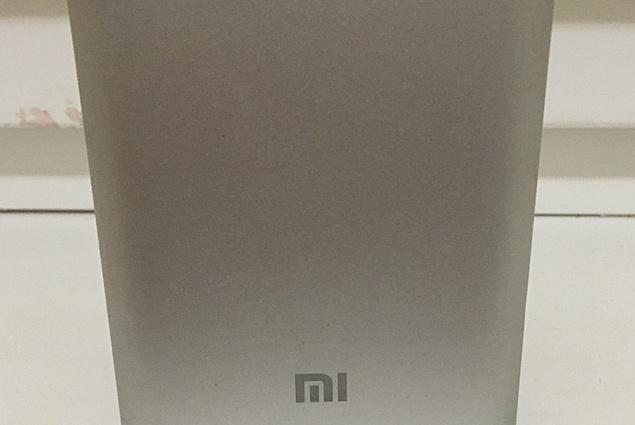 Tragbares Ladegerät Aliexpress Hot sale! 100% Original Xiaomi power Bank 10400mAh, New Portabel mobil power bank MI Charger for phones,pad,mp3 Stëmmen