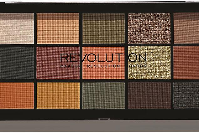 Oční stíny Makeup Revolution Re-Loaded Palette Iconic Division Recenze