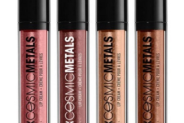 Vedel huulepulk NYX Cosmic Metals Lip Cream Arvustused