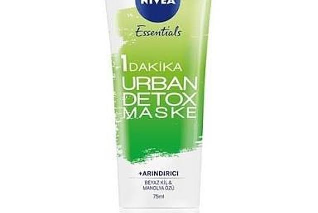Face mask ORIFLAME Essentials KAUPUNKIEN DETOX huokosten puhdistus ja detox-1 MINUUTIN (kuorinta hiukkasia, valkoista savea ja Magnolia uutetta) Arviot