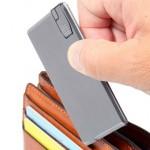 Gokuusu — ультратонкий портативный аккумулятор для гаджетов размером с визитную карточку