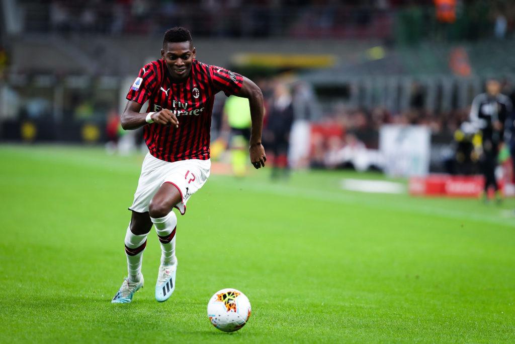 """Milan wciąż w budowie. """"Rossoneri"""" przegrywają na wyjeździe z Romą 1:2"""