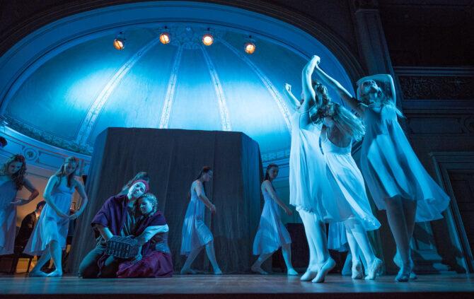Balettdansere på adventkonsert