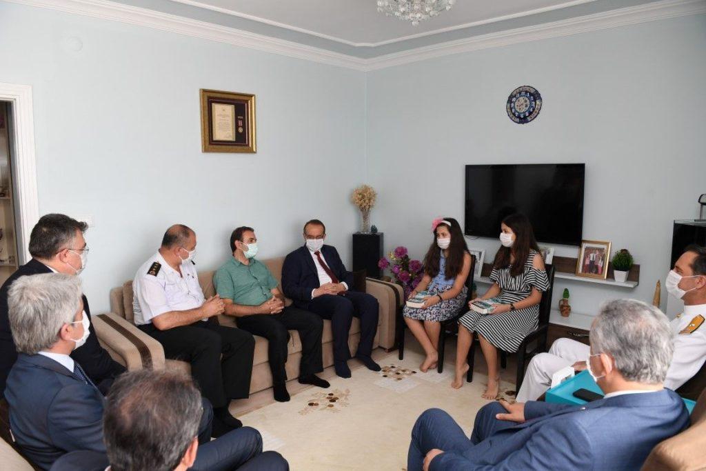 Vali Yavuz, şehit aileleri ve gazileri unutmadı