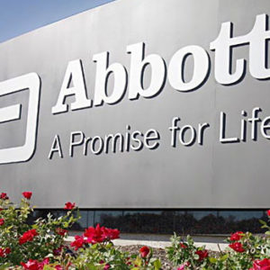 Abbott Labs повысила прогноз на год на фоне роста прибыли и продаж