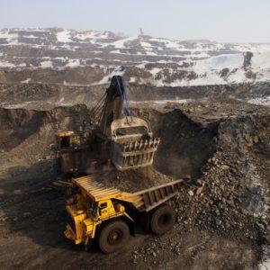 Компания Худайнатова заявила о желании добывать уголь в Сибири