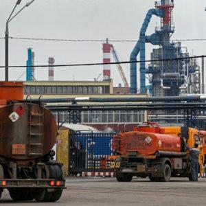 Трейдеров предложили отстранить от торгов бензином с НПЗ