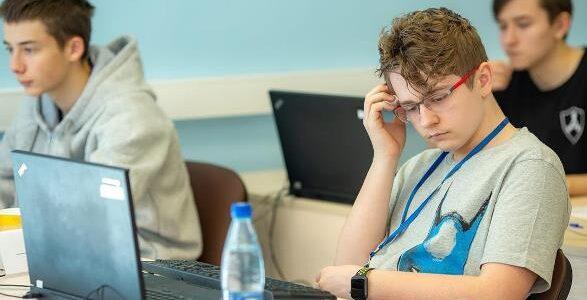 Москвичи завоевали шесть медалей на Всероссийской олимпиаде по программированию