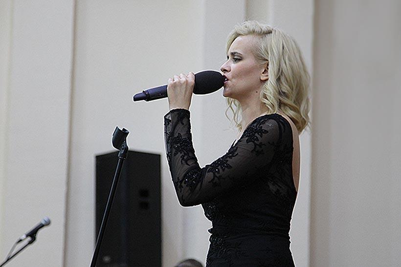 Победительница шоу «Голос» Александра Воробьева