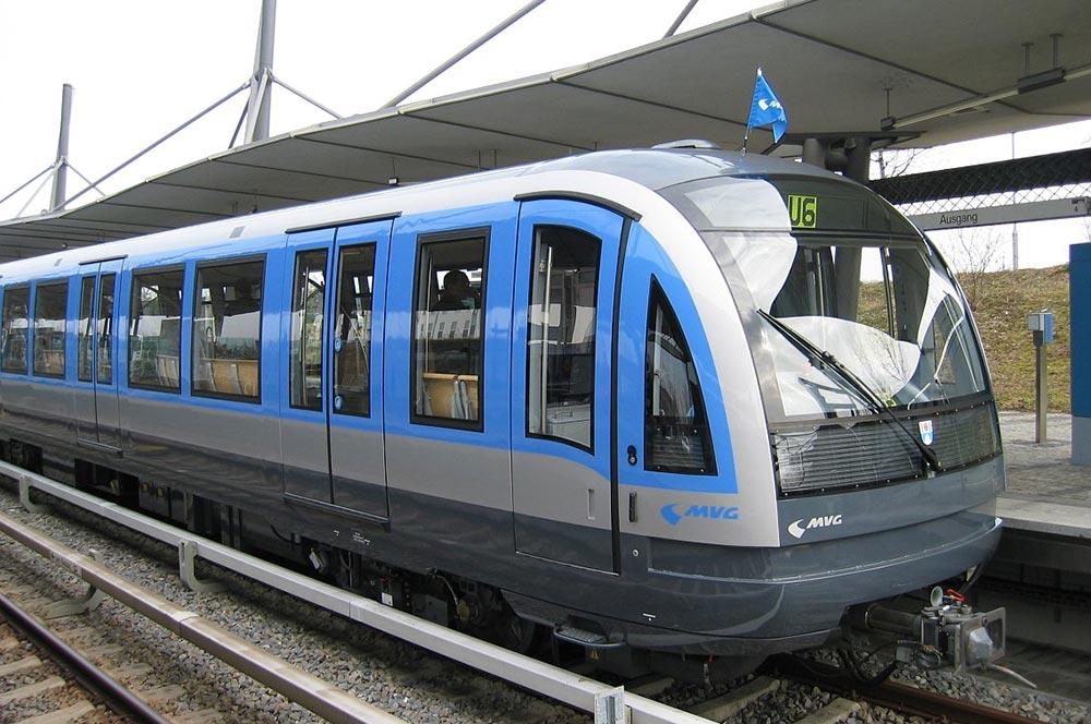 Зачем в московского метро появятся полуавтоматические поезда