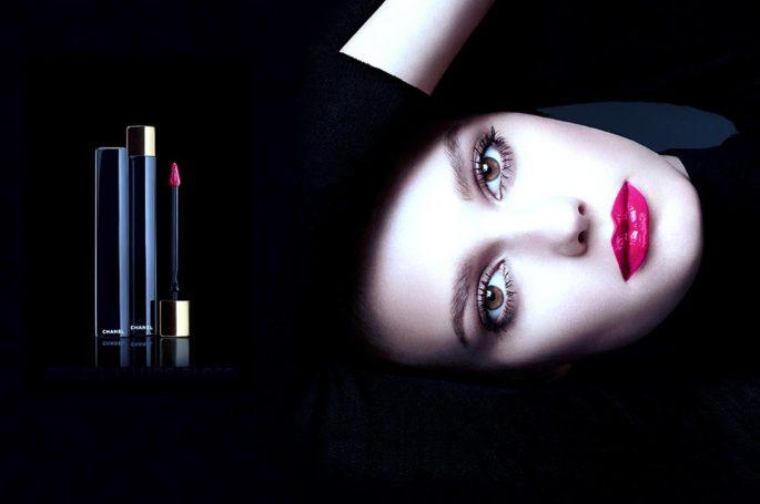 Chanel представил декоративную военную косметику
