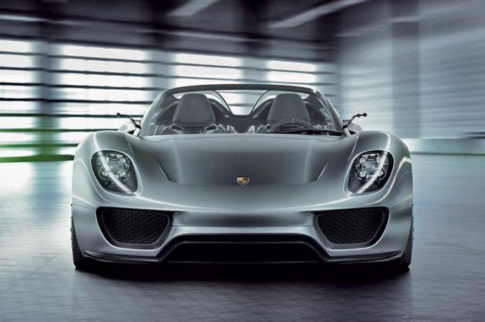 Компания Porsche отзывает свой самый дорогой спортивный автомобиль 918 Spyder