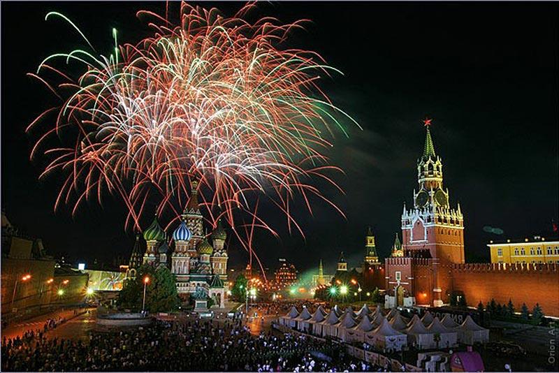 В Москве 250 тысяч москвичей и гостей встретили Новый год на улицах