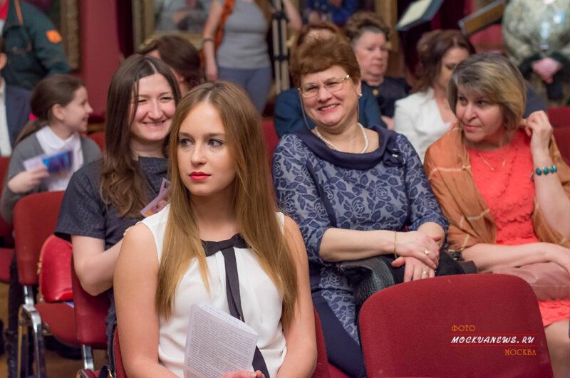 Галерея А.Шилова.концерт - Её величество - женщина!