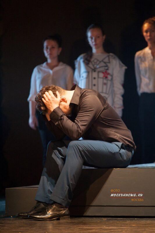 Звезда мюзиклов Илья Викторов чуть не потерял голову из-за оперы!