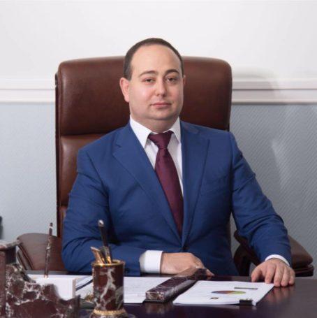 Скрытность и.о главы города Химки Дмитрия Волошина вызывает вопросы