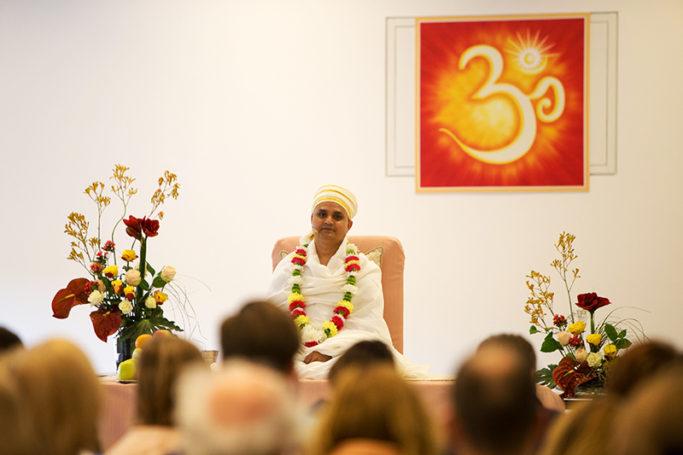 Шри Пракаш Джи поведал о своей персоне и духовности