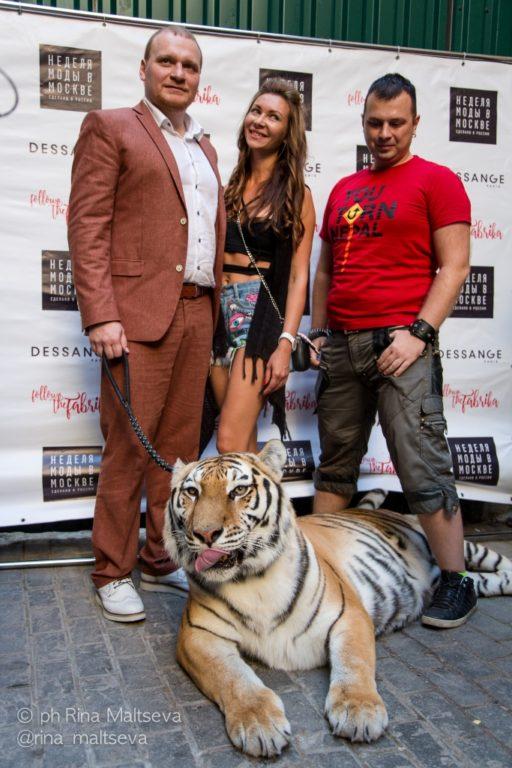 В клуб Squat ¾ Сергей Сафронов привел огромного тигра